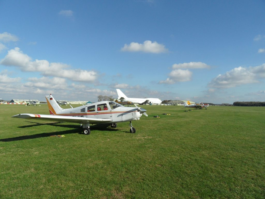 G-ELUE at Kemble