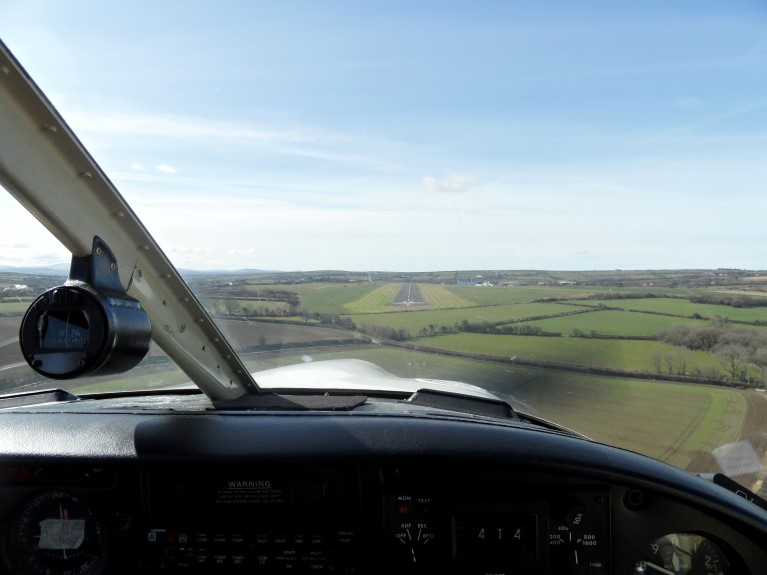 Final approach runway 26 Aberporth/West Wales