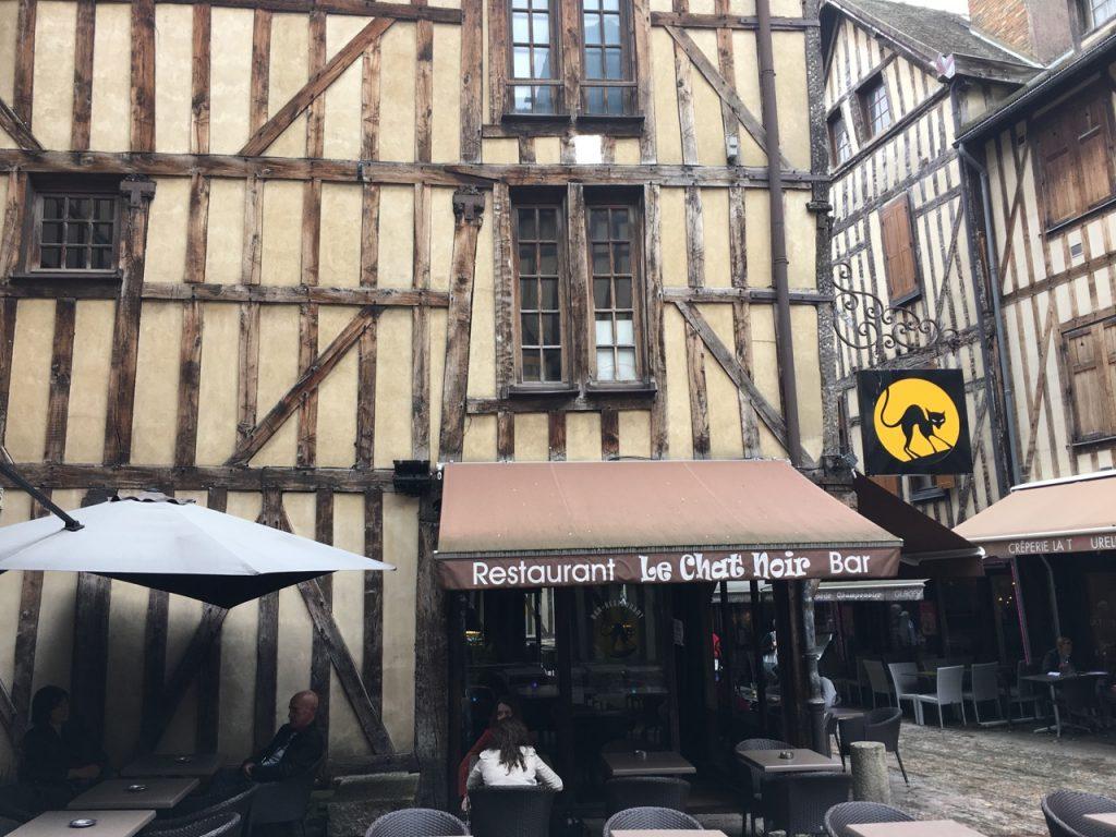 Black Cat restaurant/bar, we ate opposite